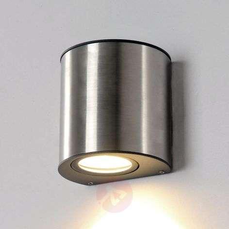 Pieni Ilumi-LED-seinävalaisin ulkoalueelle