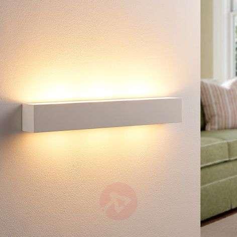 Tjada - pitkänomainen LED-seinävalaisin, kipsiä