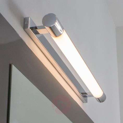 Viehättävä kylpyhuoneseinälamppu Neal LED-valoilla
