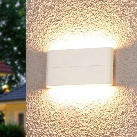 Viehättävä LED-seinävalaisin Piala ulkotilaan